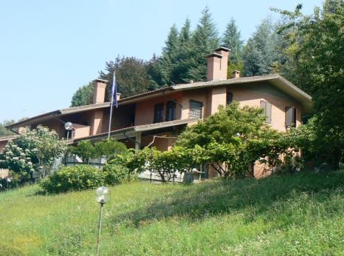 Vendita appartamento moncalieri str s brigida for Affitto moncalieri privato arredato