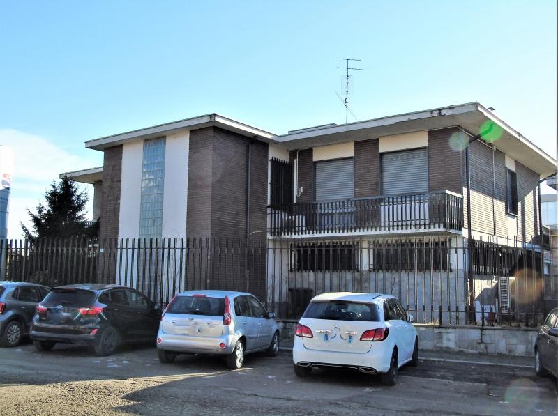 Vendita case ville appartamenti a moncalieri gilormo for Affitto moncalieri privato arredato