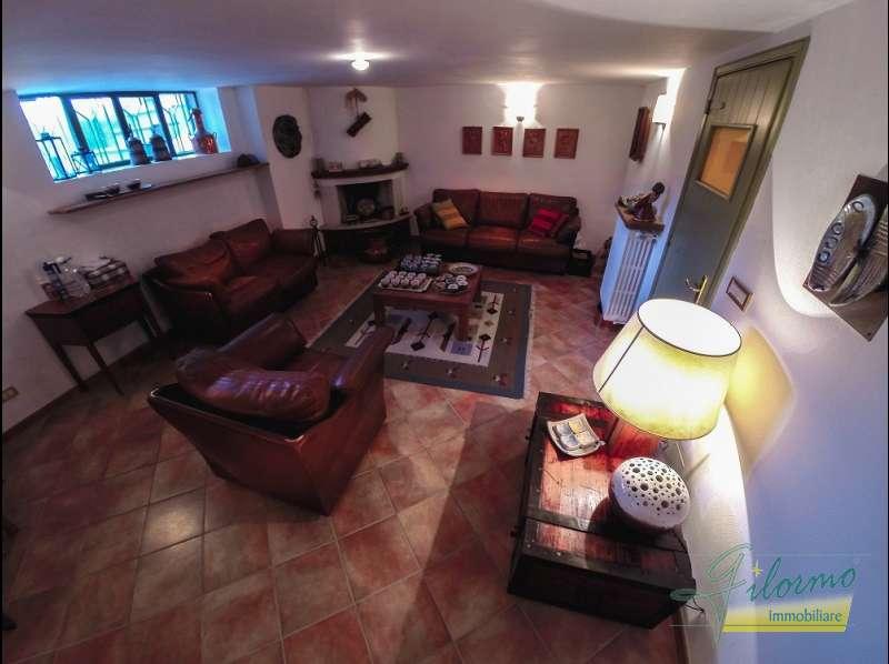 Vendita villa strada revigliasco 285 for Affitto moncalieri privato arredato