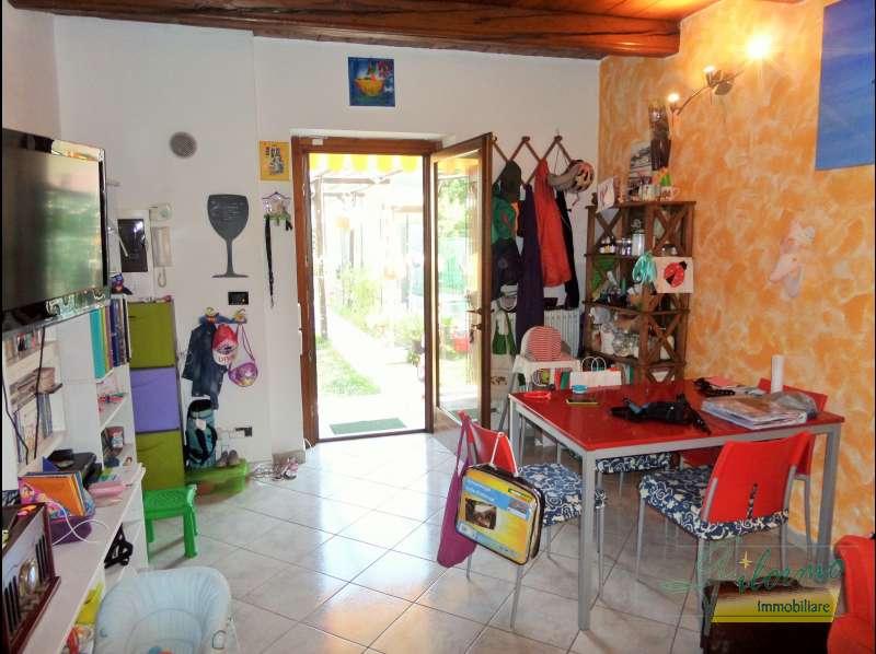 Vendita casa indipendente strada marse 39 55 for Affitto moncalieri privato arredato
